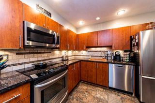 """Photo 8: 2201 33 CHESTERFIELD Place in North Vancouver: Lower Lonsdale Condo for sale in """"Harbourview Park"""" : MLS®# R2549622"""