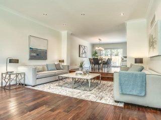 Photo 3: 98 Edenbridge Drive in Toronto: Edenbridge-Humber Valley House (2-Storey) for sale (Toronto W08)  : MLS®# W3877714