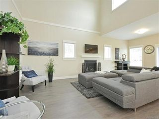 Photo 5: 2386 Lund Rd in VICTORIA: VR Six Mile House for sale (View Royal)  : MLS®# 746517