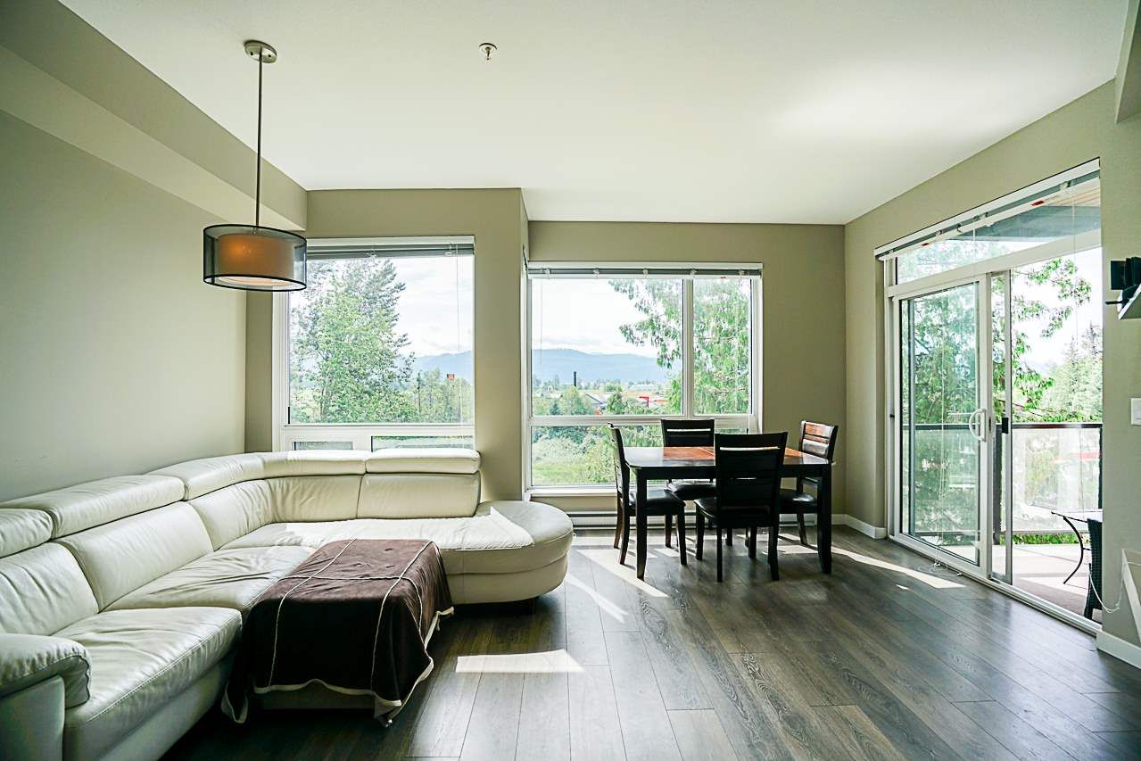 """Photo 6: Photos: 301 2238 WHATCOM Road in Abbotsford: Abbotsford East Condo for sale in """"Waterleaf"""" : MLS®# R2276818"""