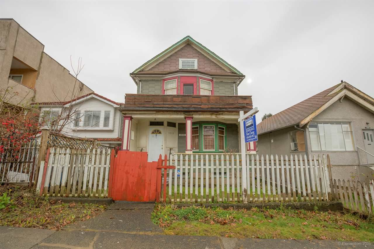 Main Photo: 1632 E 4TH Avenue in Vancouver: Grandview VE House for sale (Vancouver East)  : MLS®# R2126011