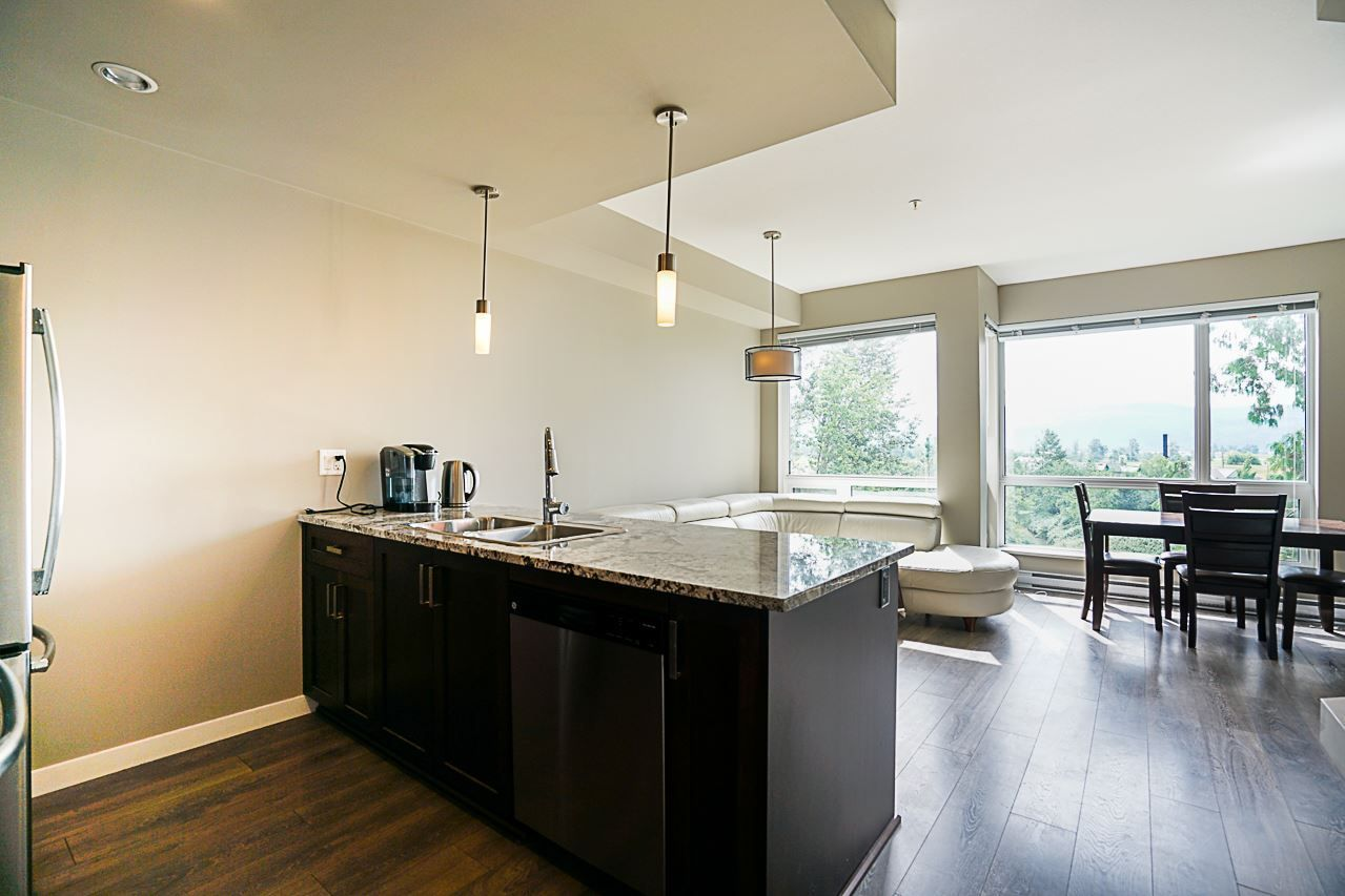 """Photo 4: Photos: 301 2238 WHATCOM Road in Abbotsford: Abbotsford East Condo for sale in """"Waterleaf"""" : MLS®# R2276818"""