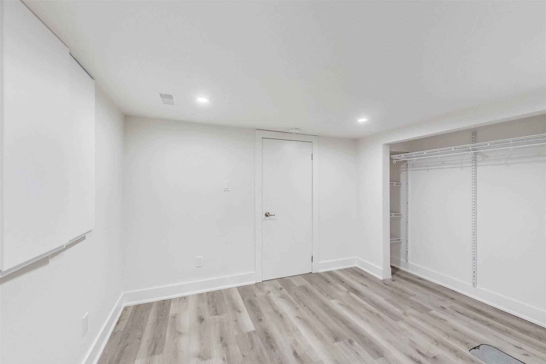 Photo 13: Photos: 501B Carlaw Avenue in Toronto: South Riverdale House (2 1/2 Storey) for lease (Toronto E01)  : MLS®# E4800704