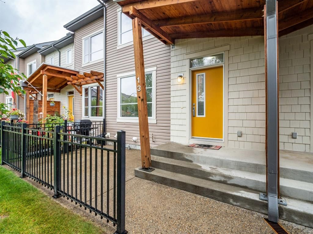 Main Photo: 13 Chapalina Lane SE in Calgary: Chaparral Row/Townhouse for sale : MLS®# A1143721