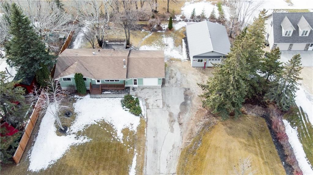 Main Photo: 417 5TH Avenue South in Niverville: R07 Residential for sale : MLS®# 202105204