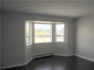 """Photo 3: 443 22661 LOUGHEED Highway in Maple Ridge: East Central Condo for sale in """"GOLDEN EARS GATE"""" : MLS®# V1086025"""