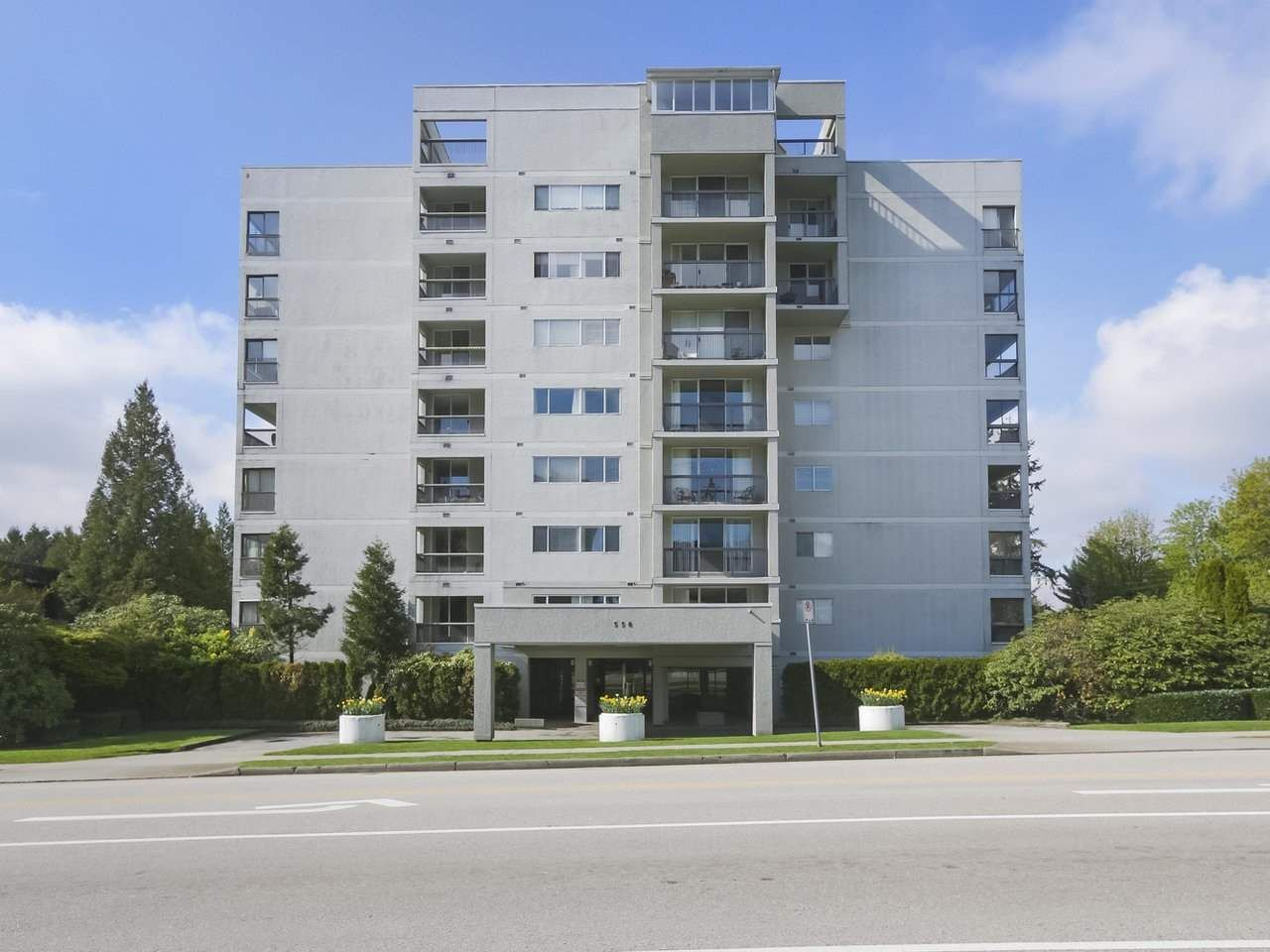 """Main Photo: 801 550 EIGHTH Street in New Westminster: Uptown NW Condo for sale in """"PARKRIDGE"""" : MLS®# R2402744"""