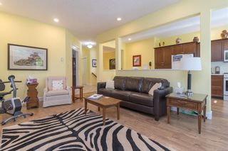 Photo 19: 745 Rogers Ave in : SE High Quadra House for sale (Saanich East)  : MLS®# 886500