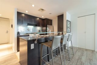 Photo 12: 1903 638 BEACH CRESCENT in Vancouver: Yaletown Condo for sale (Vancouver West)  : MLS®# R2339552