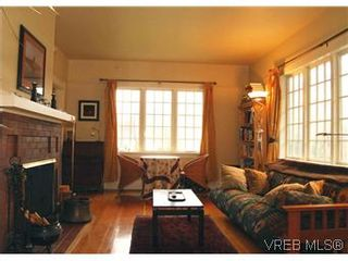 Photo 2: 617 Simcoe St in VICTORIA: Vi James Bay House for sale (Victoria)  : MLS®# 557469