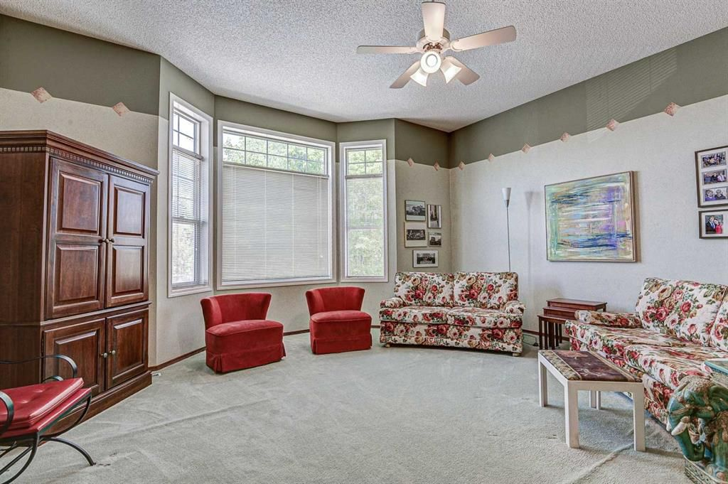 Photo 12: Photos: 127 Bridlewood Circle SW in Calgary: Bridlewood Detached for sale : MLS®# A1123607