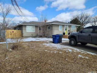 Photo 2: 202 26th Street in Battleford: Residential for sale : MLS®# SK847161