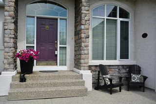 Photo 2: 104 GLENEAGLES Landing: Cochrane House for sale : MLS®# C4127159