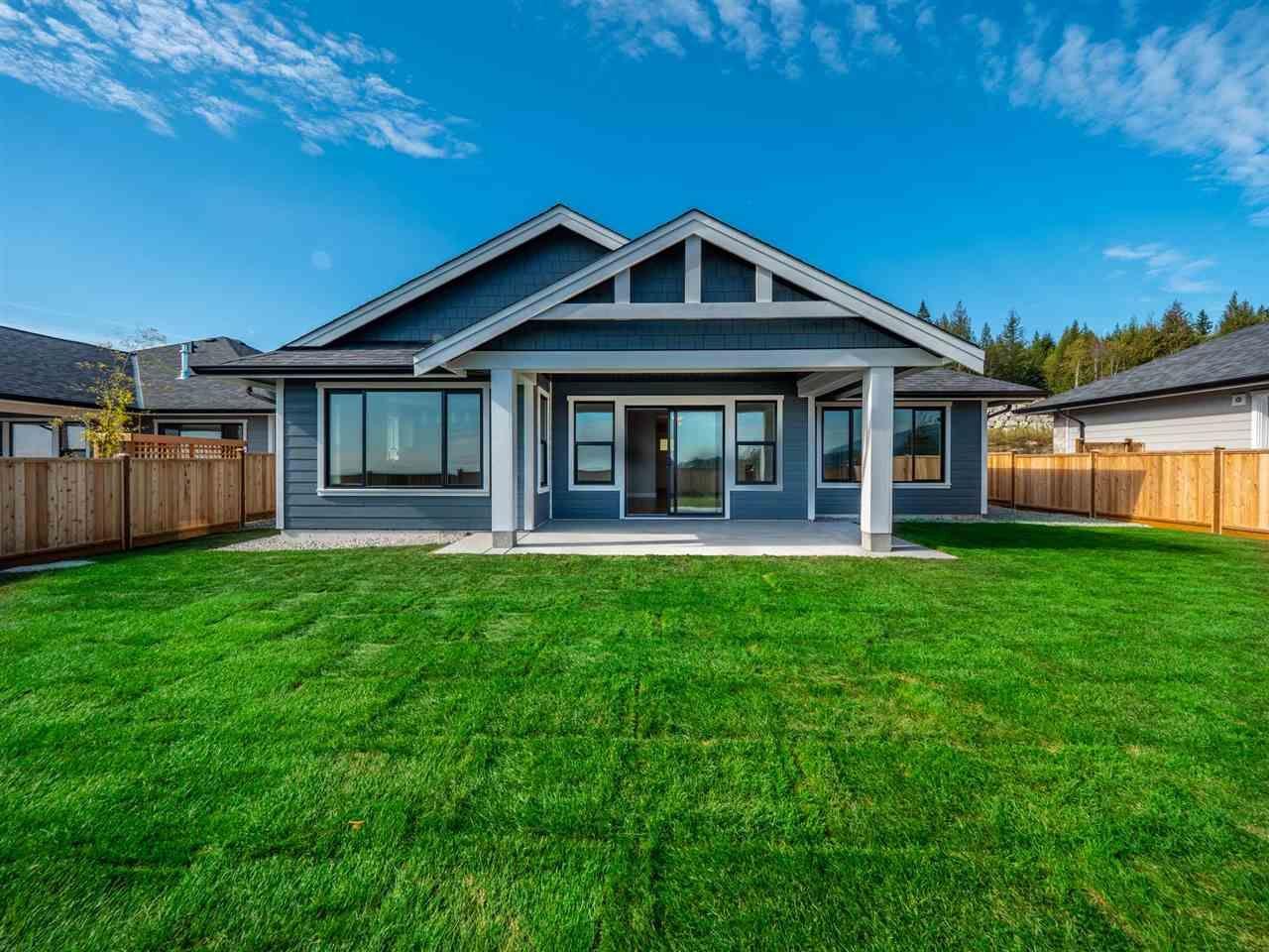 Main Photo: 5620 DERBY Road in Sechelt: Sechelt District House for sale (Sunshine Coast)  : MLS®# R2553195