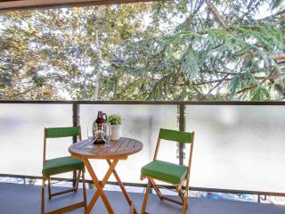 "Photo 6: 306 1425 CYPRESS Street in Vancouver: Kitsilano Condo for sale in ""Cypress West"" (Vancouver West)  : MLS®# R2183416"