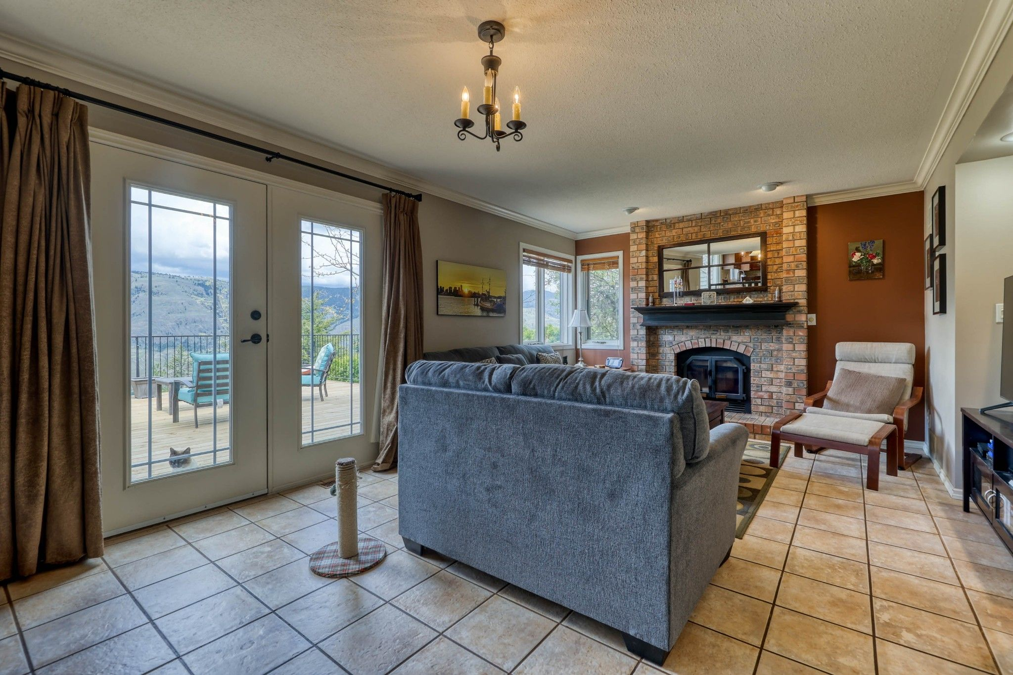 Photo 15: Photos: 2816 Capilano Drive in Kamloops: Juniper Heights House for sale : MLS®# 162002