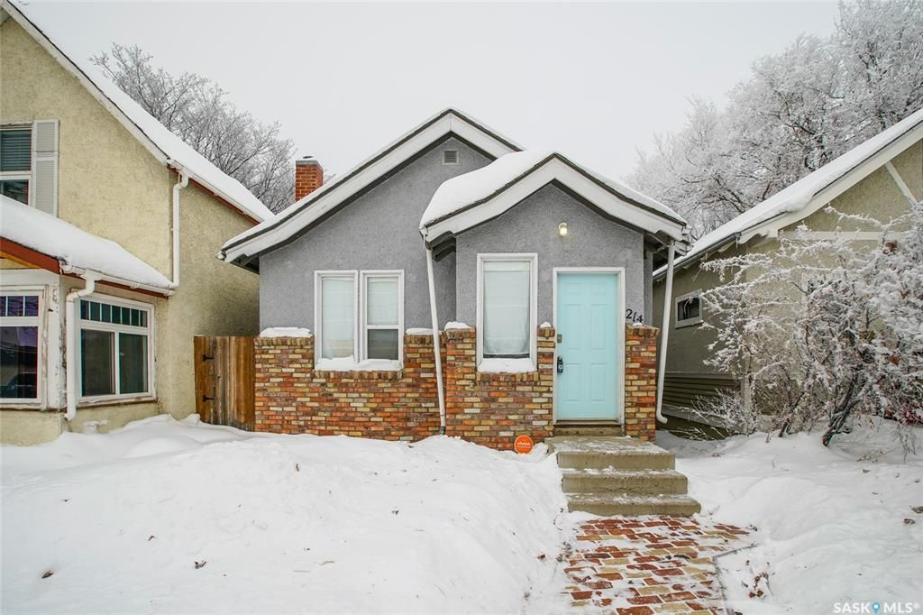 Main Photo: 214 24th Street West in Saskatoon: Caswell Hill Residential for sale : MLS®# SK834257