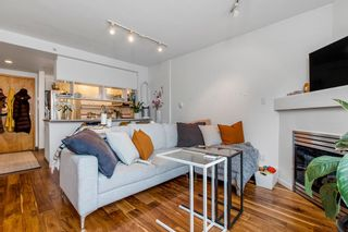 """Photo 5: 422 2255 W 4TH Avenue in Vancouver: Kitsilano Condo for sale in """"THE CAPERS BUILDING"""" (Vancouver West)  : MLS®# R2565232"""
