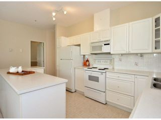 """Photo 9: 17 5708 208TH Street in Langley: Langley City Townhouse for sale in """"Bridle Run"""" : MLS®# F1424617"""