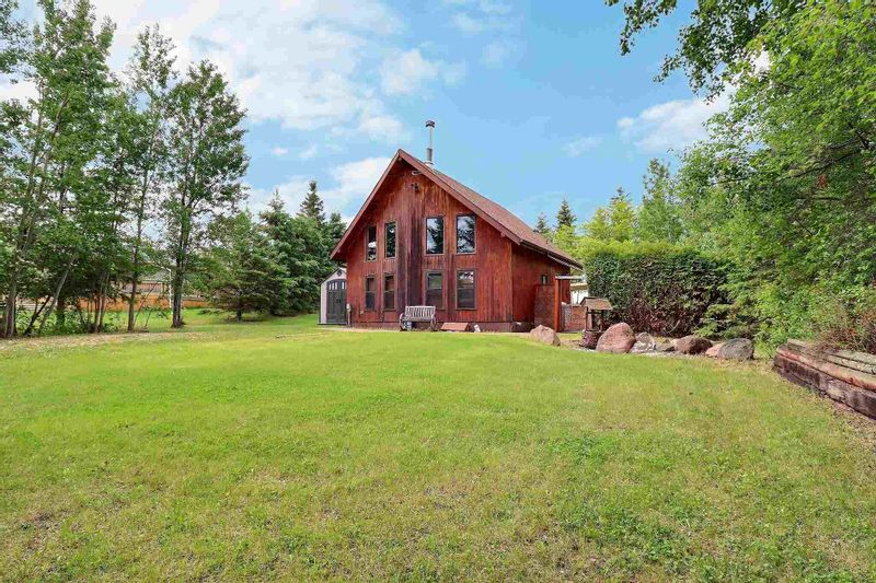 FEATURED LISTING: 602 - 59201 Range Road 95 Rural St. Paul County
