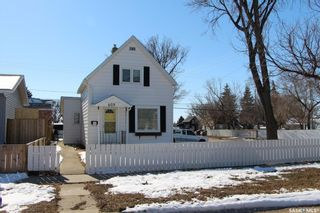 Photo 1: 603 Ominica Street East in Moose Jaw: Hillcrest MJ Residential for sale : MLS®# SK845211