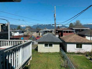 Photo 3: 2465 E 23RD Avenue in Vancouver: Renfrew Heights House for sale (Vancouver East)  : MLS®# R2585442