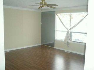 Photo 2:  in CALGARY: Whitehorn Residential Detached Single Family for sale (Calgary)  : MLS®# C3240427