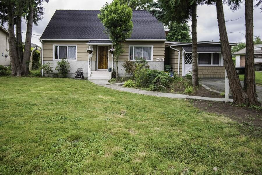 Main Photo: 23071 Westminster Highway in Richmond: Hamilton House for sale