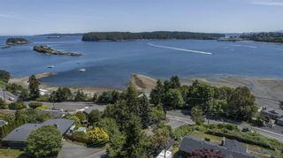 Photo 2: 1431 Sherwood Dr in : Na Departure Bay House for sale (Nanaimo)  : MLS®# 876158