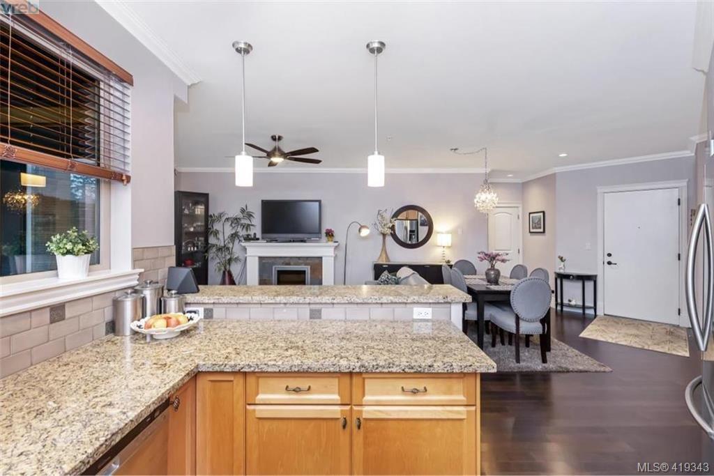 Photo 6: Photos: 308 755 Goldstream Ave in VICTORIA: La Langford Proper Condo for sale (Langford)  : MLS®# 829932