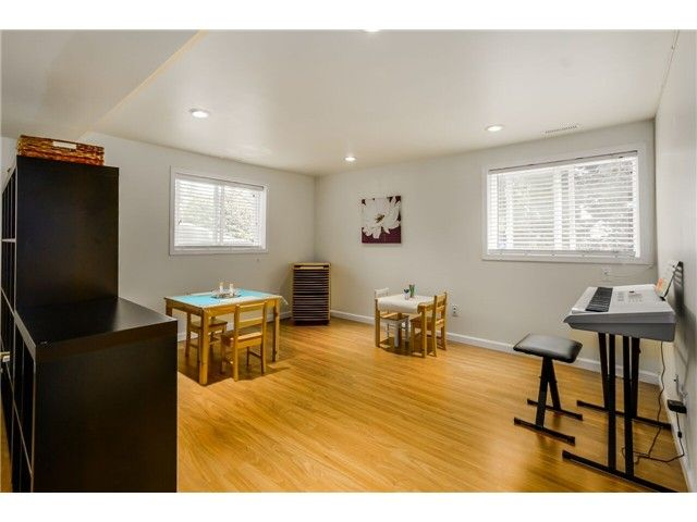 """Photo 17: Photos: 1361 E 15TH Street in North Vancouver: Westlynn House for sale in """"WESTLYNN"""" : MLS®# V1129244"""