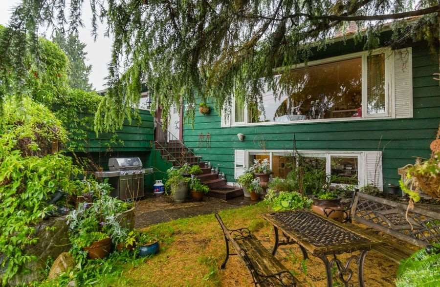 Main Photo: 2121 MATHERS AVENUE in : Dundarave House for sale : MLS®# R2174680