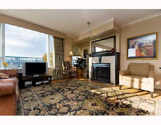 "Photo 3: 605 1383 MARINASIDE Crescent in Vancouver: False Creek North Condo for sale in ""COLUMBUS"" (Vancouver West)  : MLS®# V685162"
