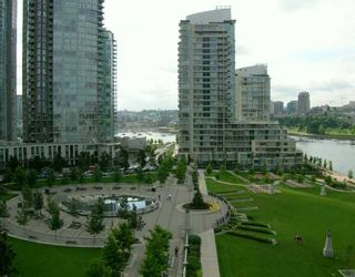"""Photo 1: 907 638 BEACH CR in Vancouver: False Creek North Condo for sale in """"ICON"""" (Vancouver West)  : MLS®# V608921"""