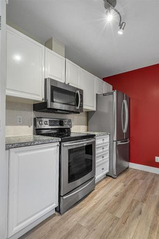 Photo 5: 1 2318 17 Street SE in Calgary: Inglewood Row/Townhouse for sale : MLS®# A1018263