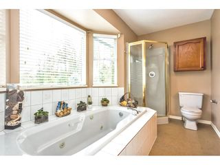 "Photo 14: 2452 MOUNTAIN Drive in Abbotsford: Abbotsford East House for sale in ""MOUNTAIN VILLAGE"" : MLS®# R2354481"