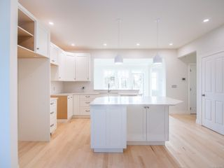Photo 3: 3139 Bowkett Pl in : SW Portage Inlet House for sale (Saanich West)  : MLS®# 856385