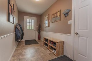 Photo 2: 299 OAKENWALD Crescent in Mitchell: R16 Residential for sale : MLS®# 202117711