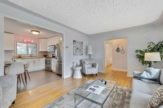 Photo 4: 324 Trafford Drive NW in Calgary: Thorncliffe Detached for sale : MLS®# A1140526