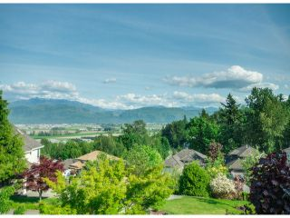 """Photo 2: 35957 STONERIDGE Place in Abbotsford: Abbotsford East House for sale in """"Mountain Meadows"""" : MLS®# F1412668"""