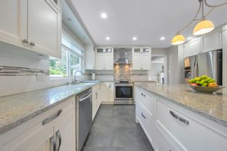 Photo 11: 2908 KALAMALKA Drive in Coquitlam: Coquitlam East House for sale : MLS®# R2622040