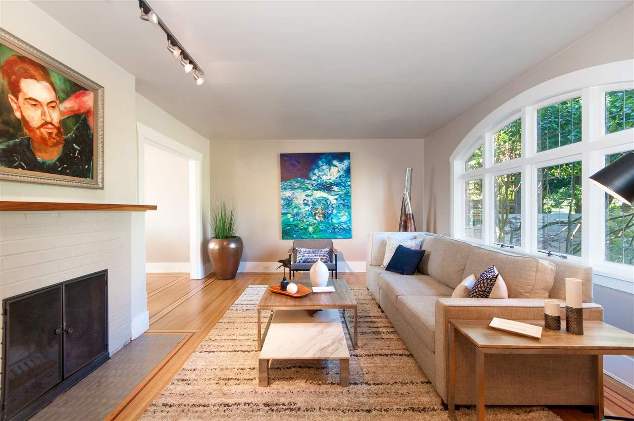 Photo 5: Photos: 3532 BLENHEIM Street in Vancouver: Dunbar House for sale (Vancouver West)  : MLS®# R2353456