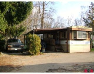 """Photo 1: 100 8190 KING GEORGE Highway in Surrey: Bear Creek Green Timbers Manufactured Home for sale in """"King George Trailer Park"""" : MLS®# F2817121"""