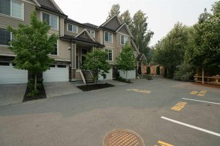 """Photo 2: 18 46832 HUDSON Road in Sardis: Promontory Townhouse for sale in """"CORNERSTONE HAVEN"""" : MLS®# R2195416"""