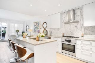 """Photo 11: 201 3220 CONNAUGHT Crescent in North Vancouver: Edgemont Condo for sale in """"THE CONNAUGHT"""" : MLS®# R2407338"""