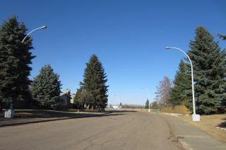 Photo 3: 168 CLAREVIEW Road in Edmonton: Zone 35 House for sale : MLS®# E4238211