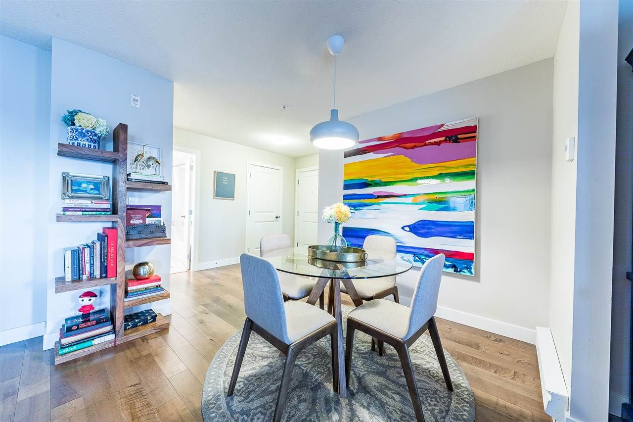 Main Photo: 313 12020 207A Street in Maple Ridge: Northwest Maple Ridge Condo for sale : MLS®# R2331247