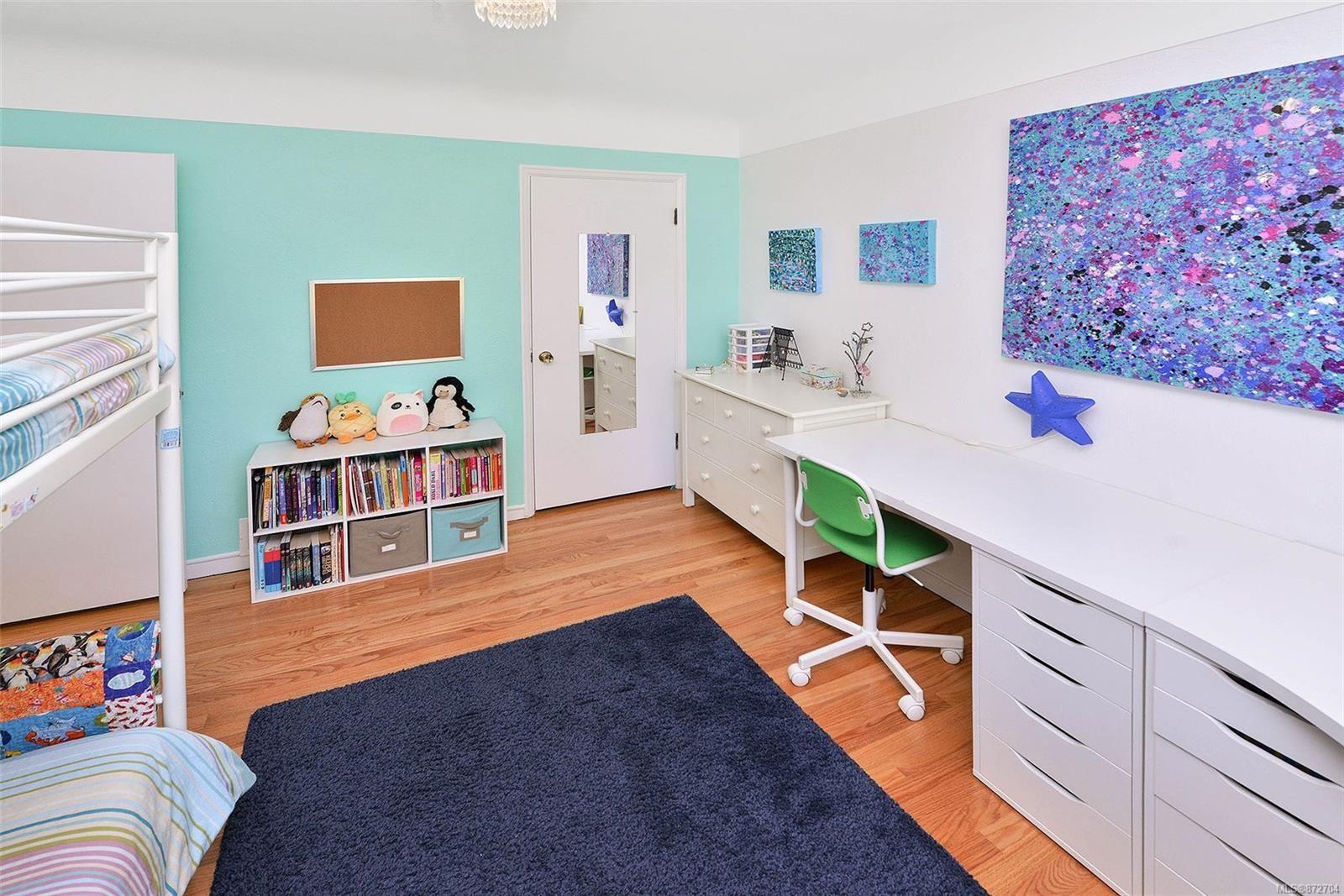 Photo 15: Photos: 2183 Sandowne Rd in : OB Henderson House for sale (Oak Bay)  : MLS®# 872704