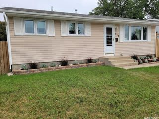 Photo 2: 610 Fisher Crescent in Saskatoon: Confederation Park Residential for sale : MLS®# SK864576