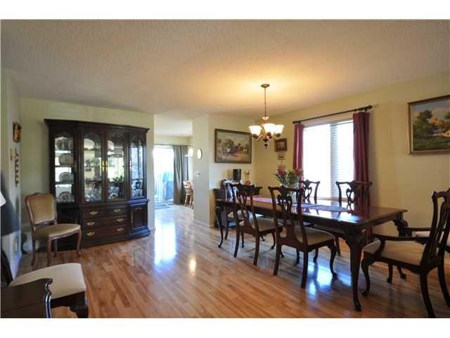 Photo 3: Photos: 79 CEDUNA Park SW in Calgary: Cedarbrae Residential Attached for sale : MLS®# C3645812